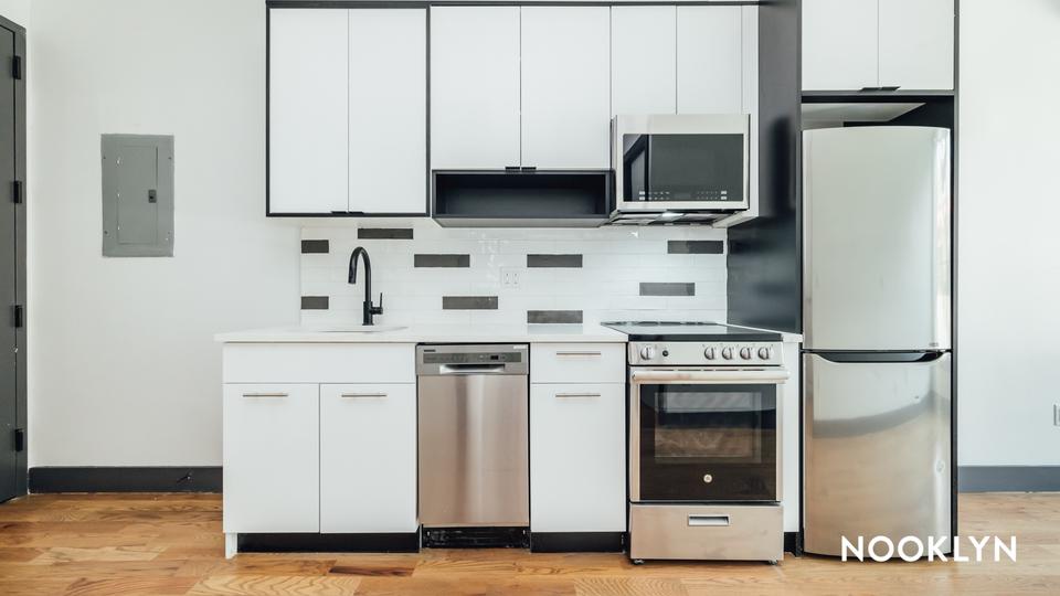 A $2,650.00, 2.5 bed / 1 bathroom apartment in East Flatbush