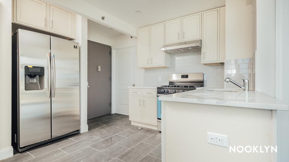 A $2,750.00, 1 bed / 1 bathroom apartment in Maspeth