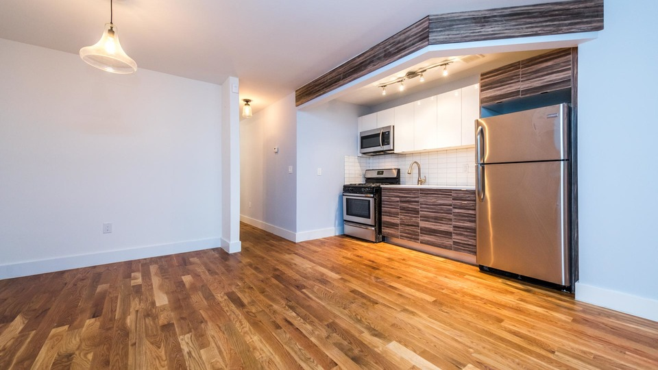 A $2,450.00, 3 bed / 2 bathroom apartment in Bushwick