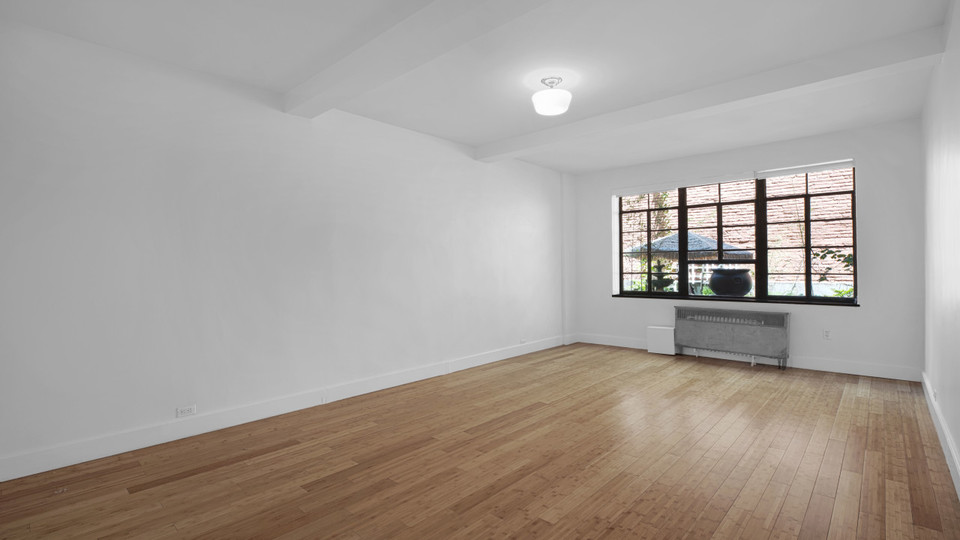 A $2,121.00, 0 bed / 1 bathroom apartment in Midtown