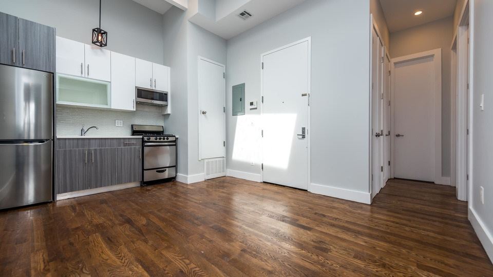 A $2,600.00, 3 bed / 1 bathroom apartment in Ridgewood