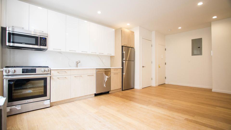 A $2,842.00, 3 bed / 1.5 bathroom apartment in Flatbush