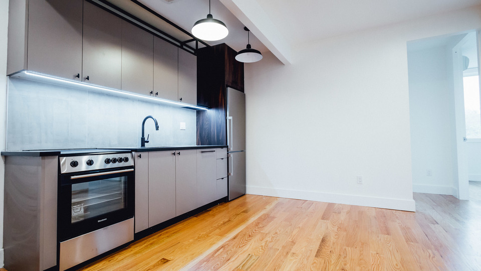 A $2,681.00, 3 bed / 1 bathroom apartment in PLG: Prospect Lefferts Gardens