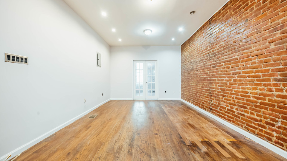 A $2,650.00, 2 bed / 1 bathroom apartment in Bushwick
