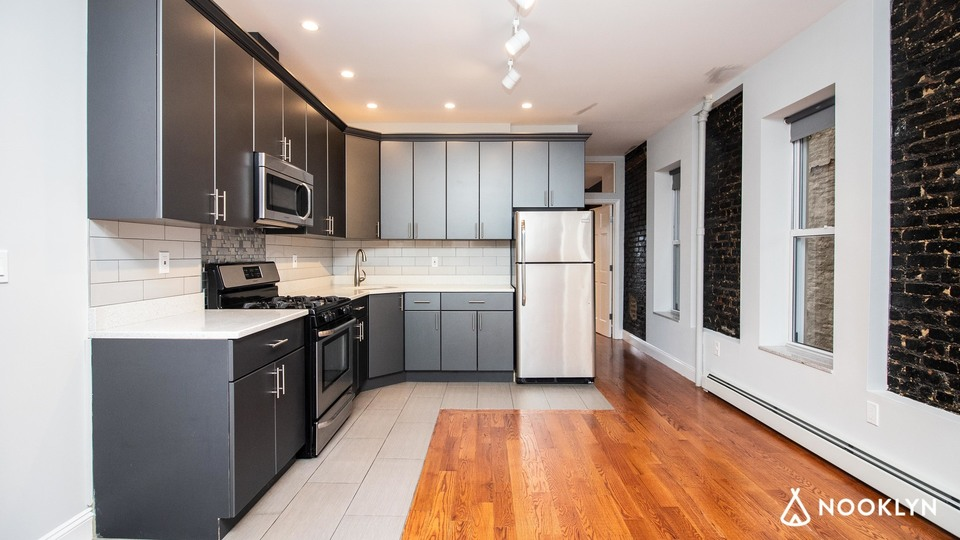 A $2,383.00, 2 bed / 2 bathroom apartment in Ridgewood