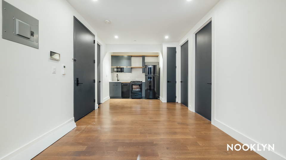A $3,165.00, 3 bed / 2 bathroom apartment in Bed-Stuy