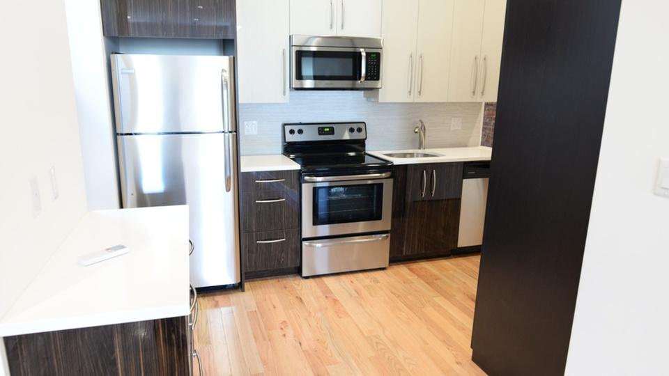 A $2,800.00, 3 bed / 1 bathroom apartment in Ridgewood