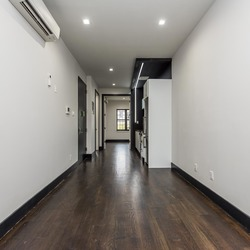 A $3,325.00, 3 bed / 1 bathroom apartment in Williamsburg