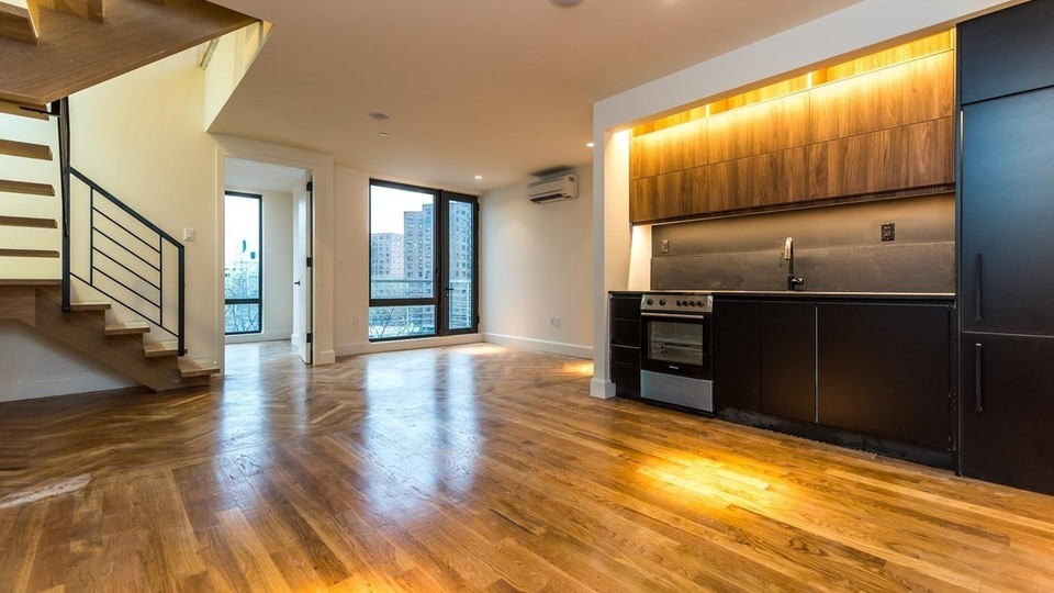 A $4,450.00, 3 bed / 2 bathroom apartment in Downtown Brooklyn