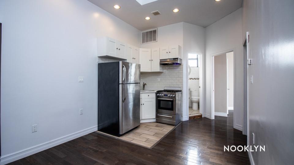 A $2,636.00, 2 bed / 1 bathroom apartment in Clinton Hill