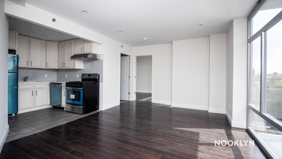 A $2,233.00, 1 bed / 1 bathroom apartment in Maspeth