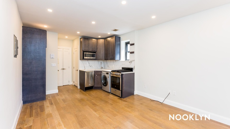 A $2,700.00, 1 bed / 1 bathroom apartment in Upper East Side