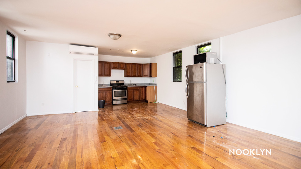 A $2,450.00, 1 bed / 1 bathroom apartment in Williamsburg