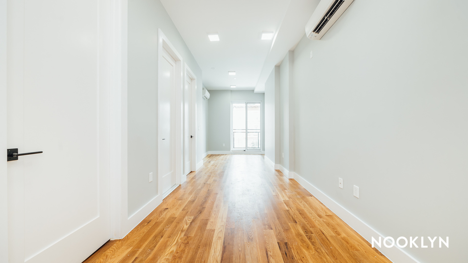 A $2,400.00, 2 bed / 2 bathroom apartment in Crown Heights