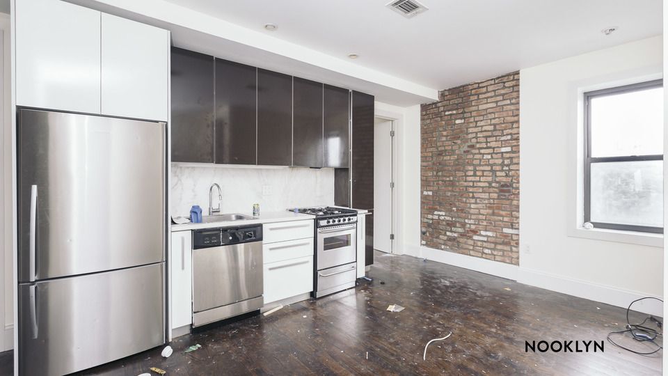 A $3,475.00, 3 bed / 1 bathroom apartment in Williamsburg