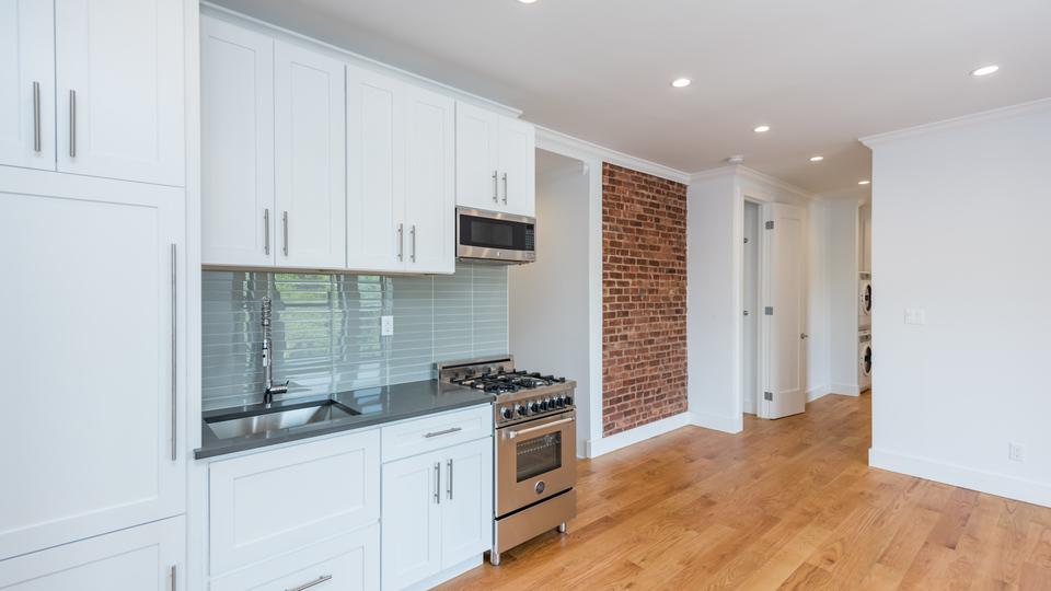 A $3,723.00, 3 bed / 2 bathroom apartment in Clinton Hill