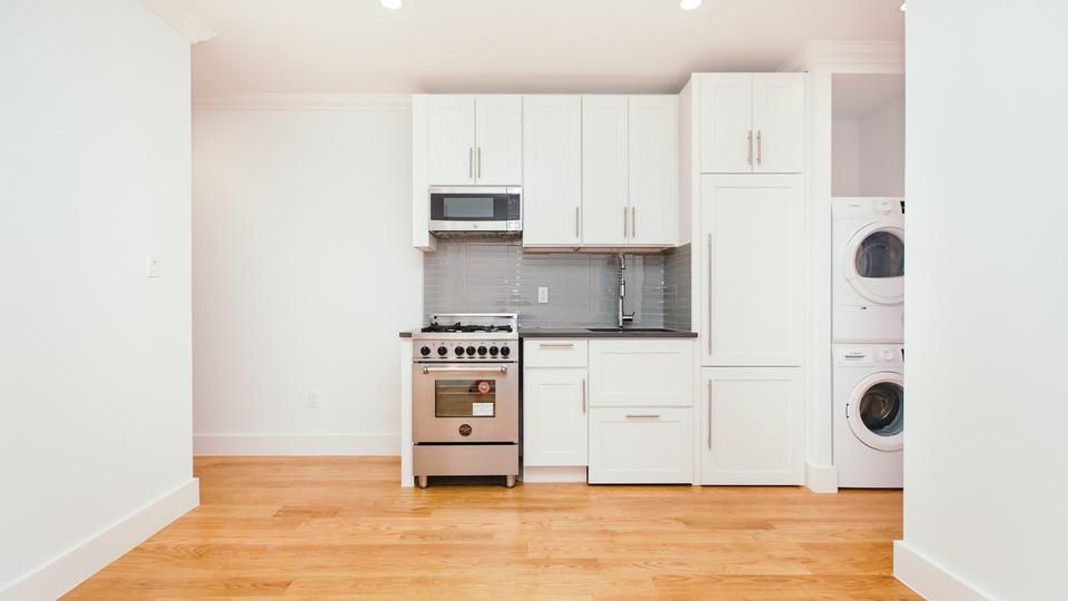 A $2,700.00, 2 bed / 1 bathroom apartment in Clinton Hill