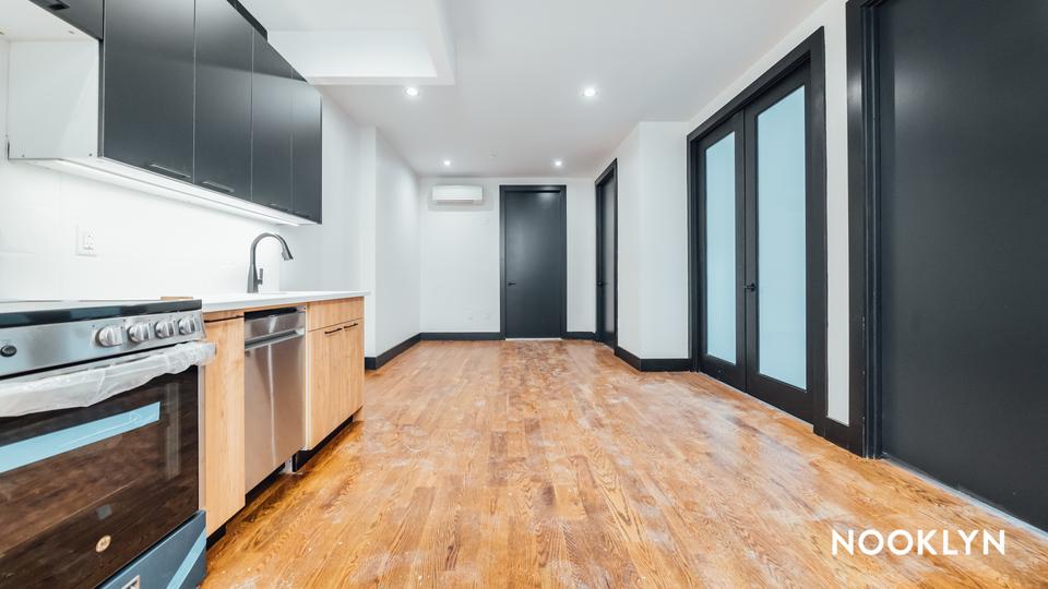 A $2,934.00, 3 bed / 1 bathroom apartment in Bushwick
