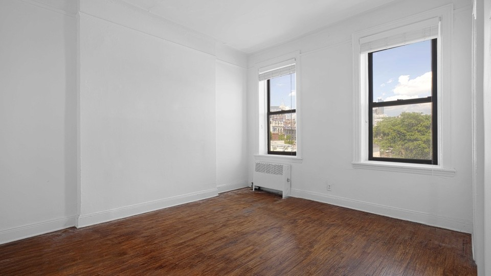 A $3,495.00, 2 bed / 1 bathroom apartment in West Village