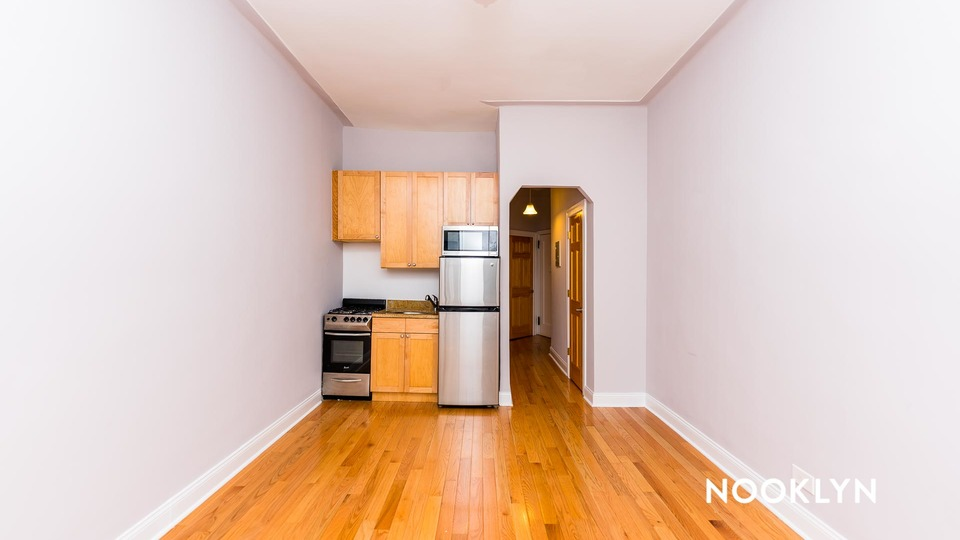 A $2,221.00, 1 bed / 1 bathroom apartment in Chelsea