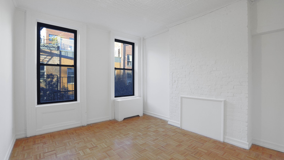 A $1,995.00, 0 bed / 1 bathroom apartment in West Village