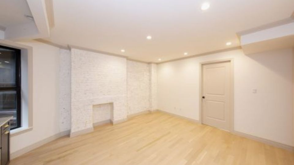 A $7,077.00, 4 bed / 2 bathroom apartment in Lower East Side