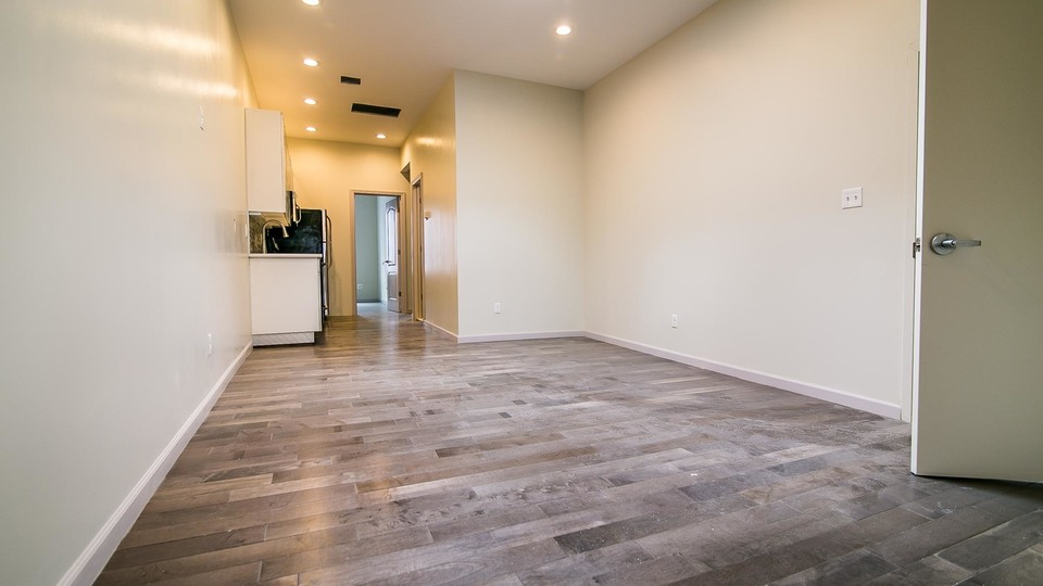 A $2,600.00, 3 bed / 1 bathroom apartment in Bed-Stuy