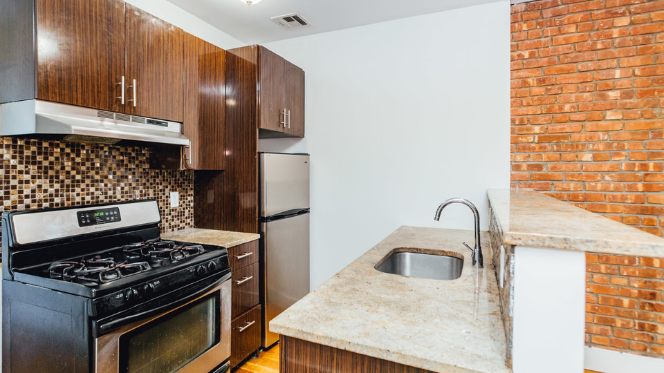 A $2,850.00, 3 bed / 1.5 bathroom apartment in Bed-Stuy