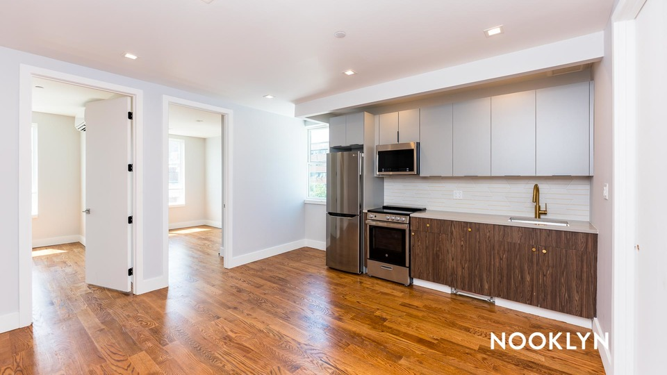 A $3,100.00, 3 bed / 2 bathroom apartment in Williamsburg