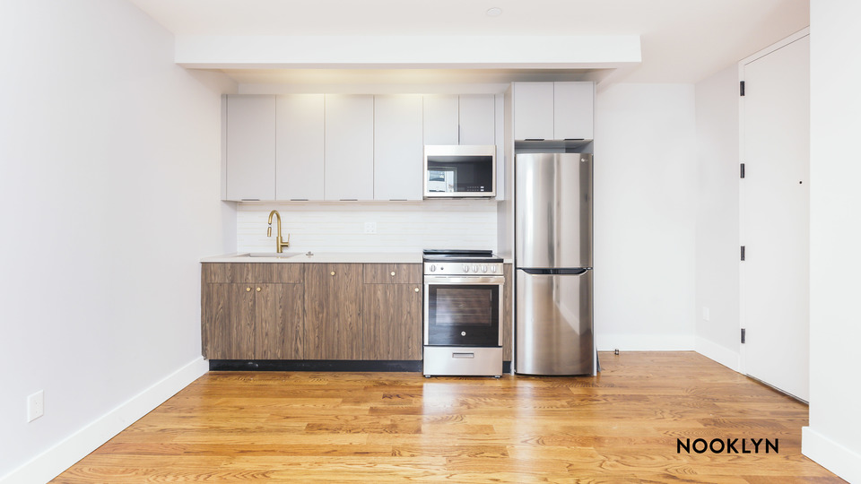 A $4,000.00, 4 bed / 2 bathroom apartment in Williamsburg
