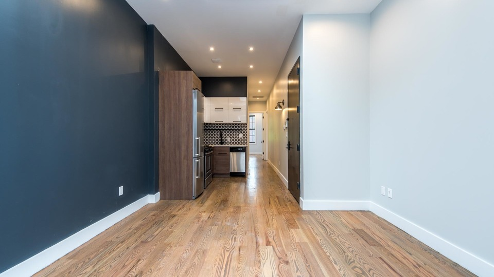 A $3,200.00, 3 bed / 1 bathroom apartment in Bushwick