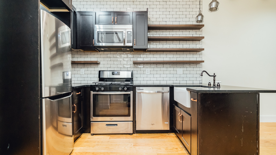 A $5,300.00, 4 bed / 1 bathroom apartment in Williamsburg