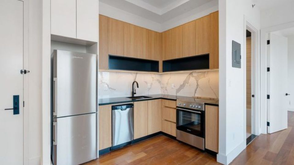 A $3,350.00, 2 bed / 1 bathroom apartment in Greenpoint