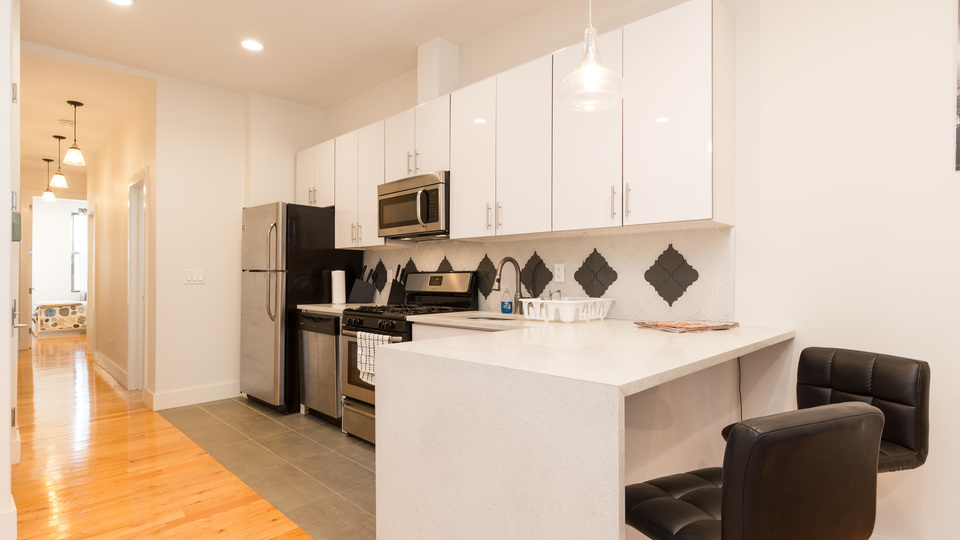 A $3,254.00, 3 bed / 2 bathroom apartment in Greenpoint