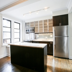 A $3,662.00, 1 bed / 1 bathroom apartment in Upper West Side