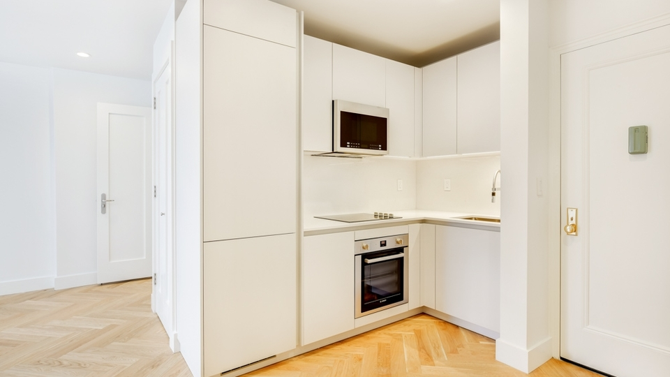 A $2,763.00, 2 bed / 1 bathroom apartment in Clinton Hill