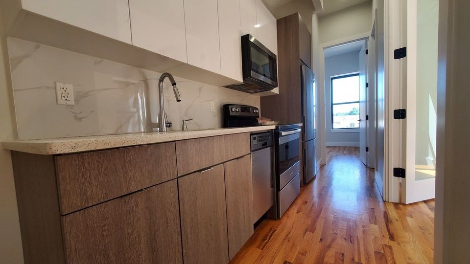 A $2,425.00, 3 bed / 1 bathroom apartment in Crown Heights