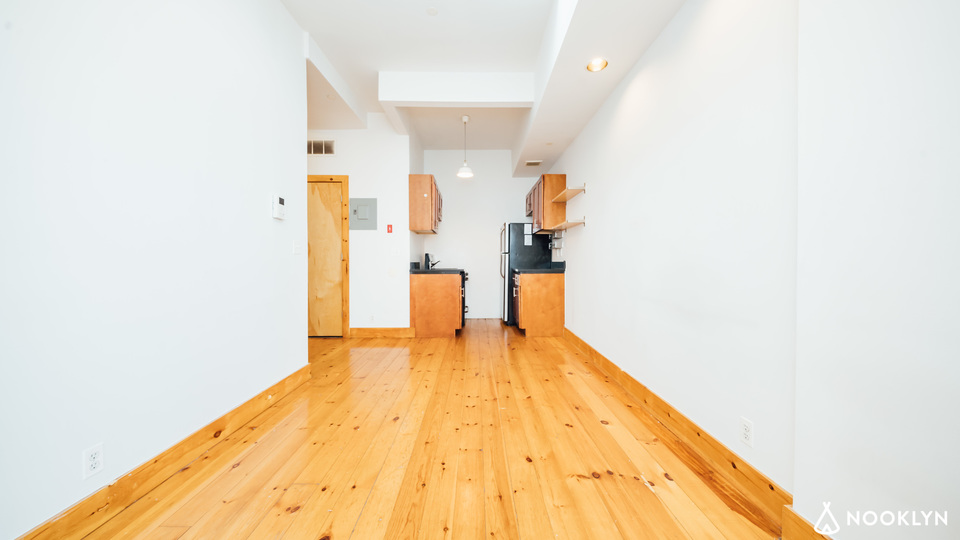 A $2,625.00, 3 bed / 1 bathroom apartment in Crown Heights