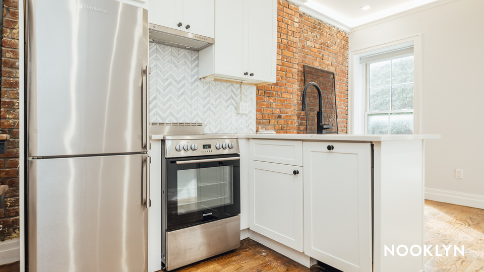 A $3,600.00, 2 bed / 1.5 bathroom apartment in Brooklyn Heights