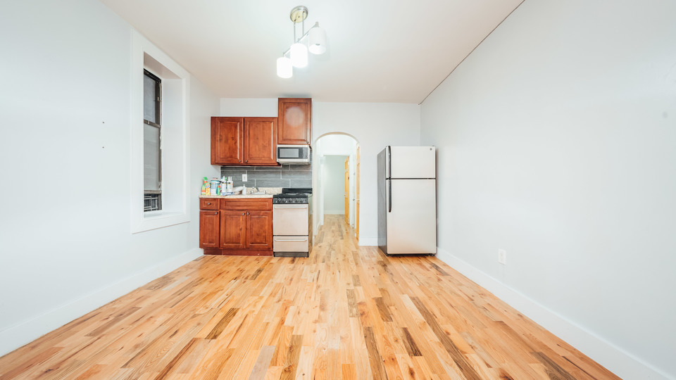 A $2,150.00, 2 bed / 1 bathroom apartment in Bushwick