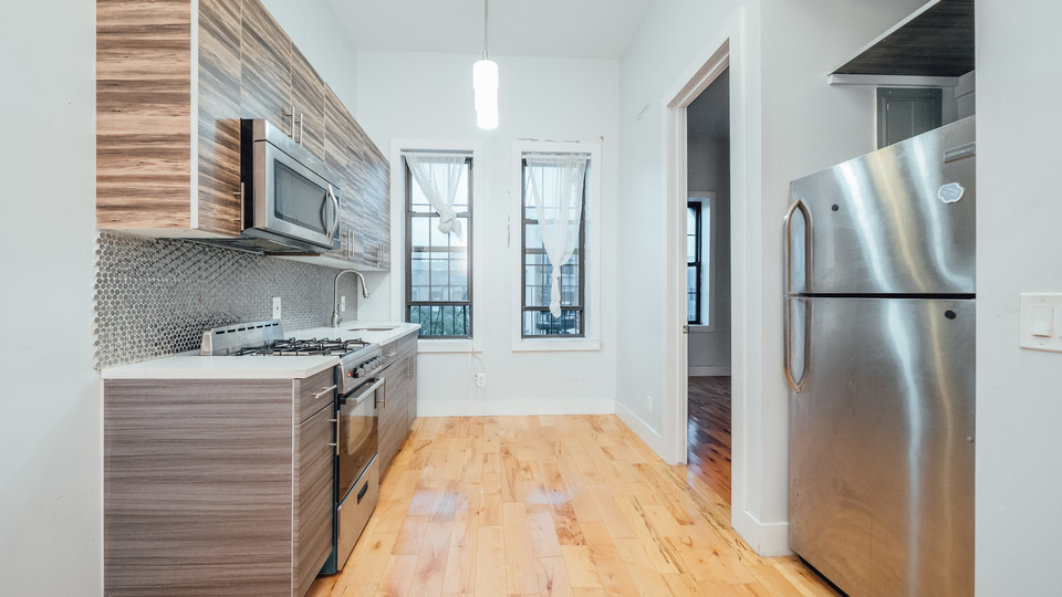 A $1,950.00, 3 bed / 1 bathroom apartment in Bushwick