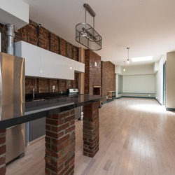 A $5,600.00, 5 bed / 3 bathroom apartment in Greenpoint