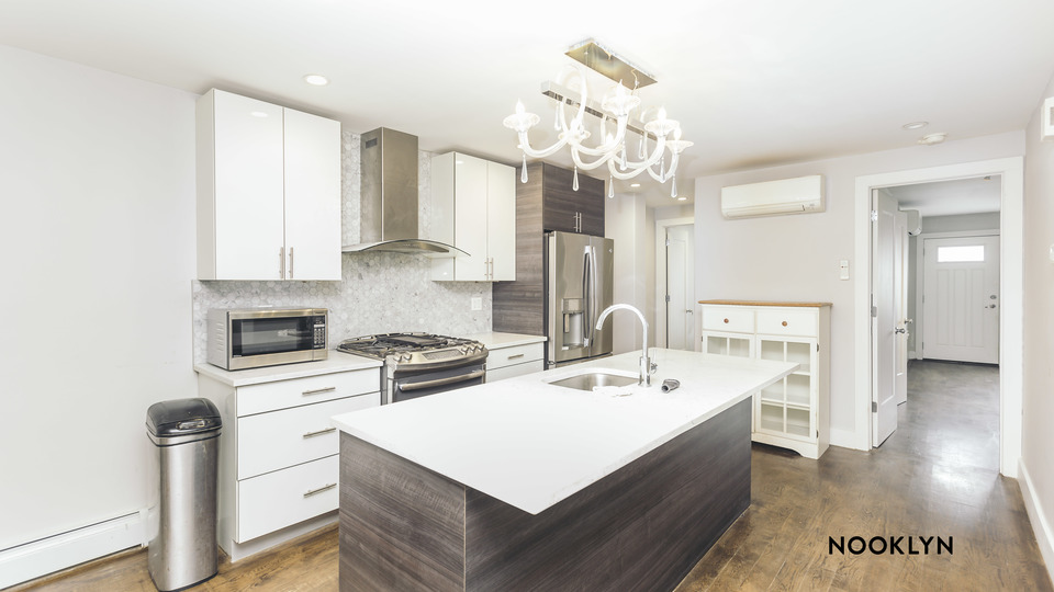 A $3,000.00, 2 bed / 2 bathroom apartment in Williamsburg