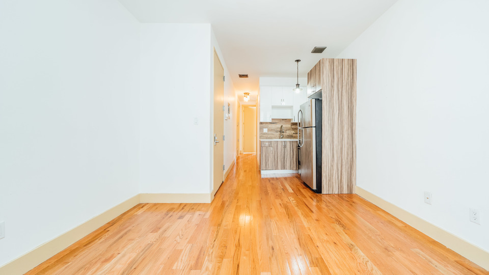 A $3,400.00, 4 bed / 1.5 bathroom apartment in Williamsburg