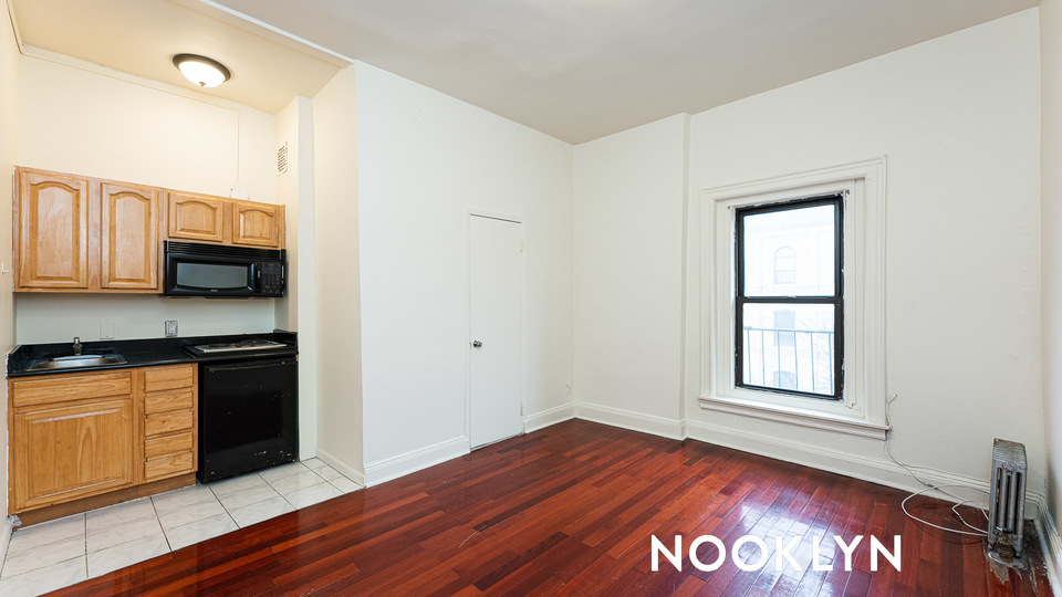 A $1,499.00, 0 bed / 1 bathroom apartment in Bed-Stuy