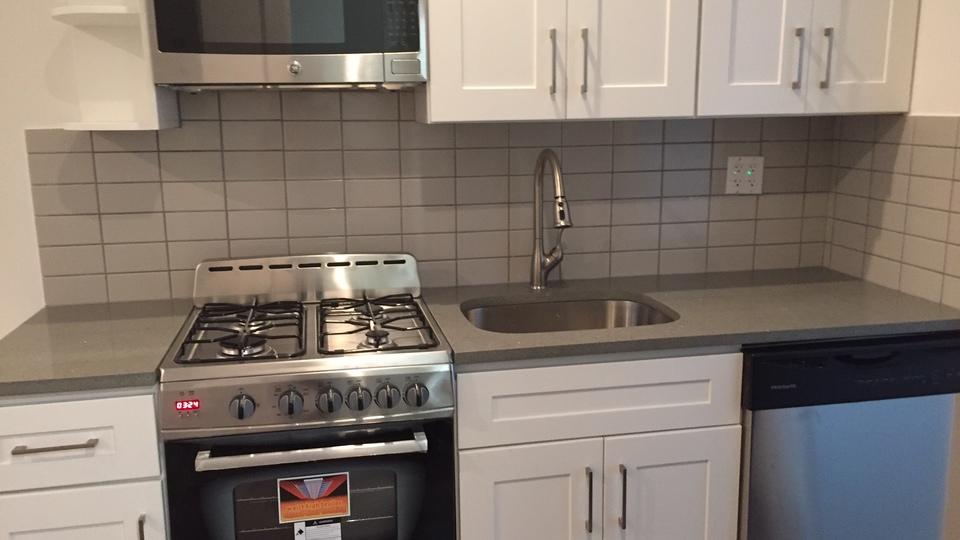 A $3,200.00, 4 bed / 1 bathroom apartment in Ridgewood