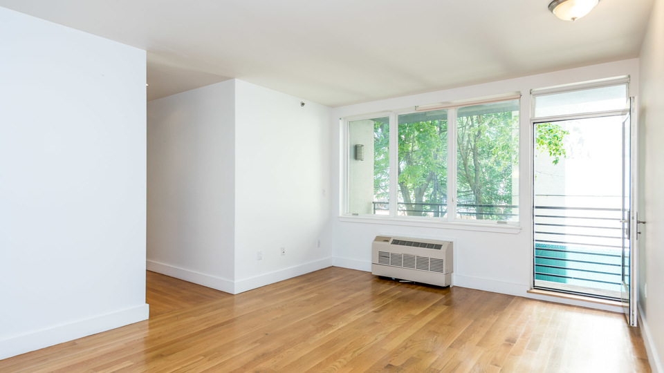 A $3,250.00, 2 bed / 1 bathroom apartment in Bed-Stuy