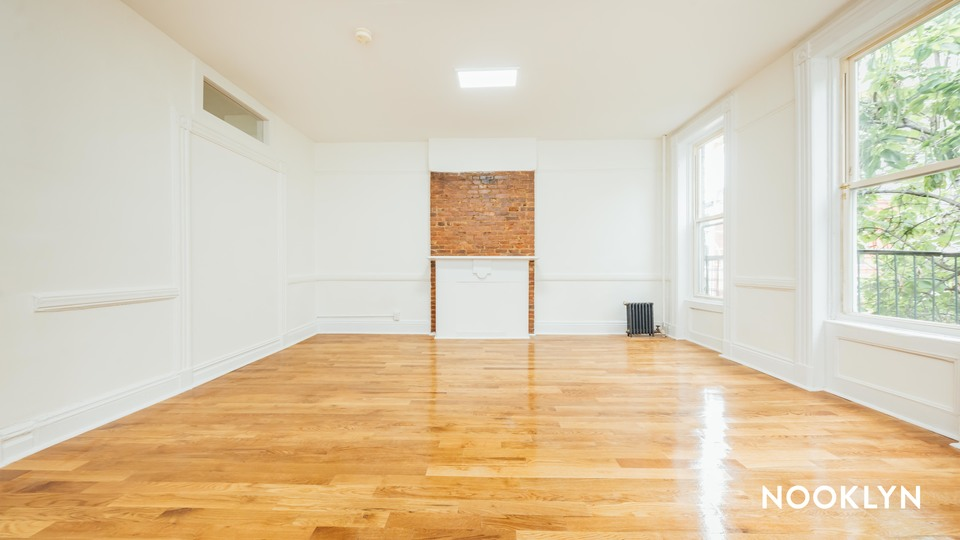 A $3,250.00, 3 bed / 1 bathroom apartment in Bed-Stuy