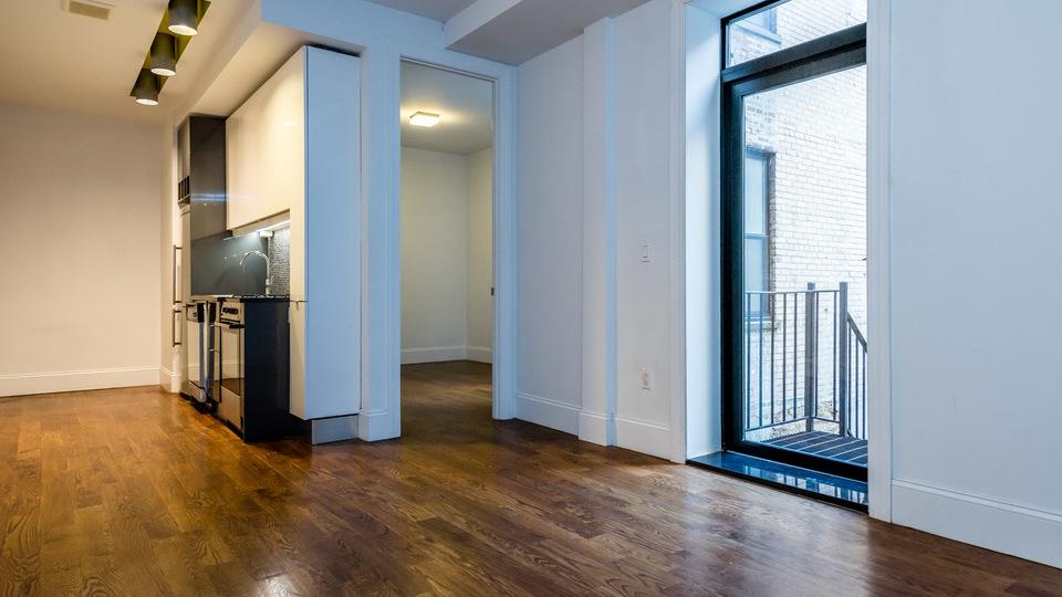 A $2,650.00, 3 bed / 1 bathroom apartment in Ridgewood