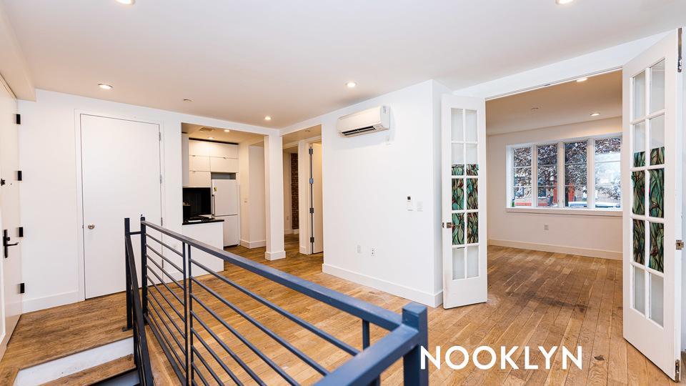 A $2,995.00, 4 bed / 1.5 bathroom apartment in Bushwick